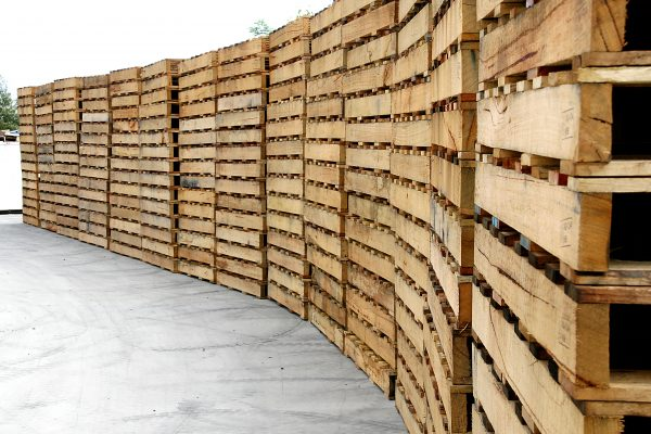 Rows-of-timber-pallets